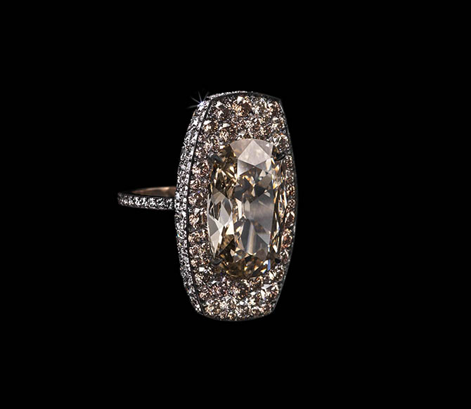 Diamond and gold Shield Ring by Lauren Adriana Photo Richard Valencia, © Lauren Adriana