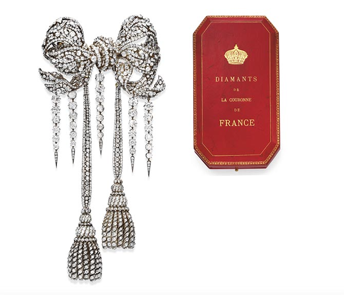 Empress Eugénie's Diamond Bow Brooch and the special box created for the jewel (shown out of scale). Photo Christie's