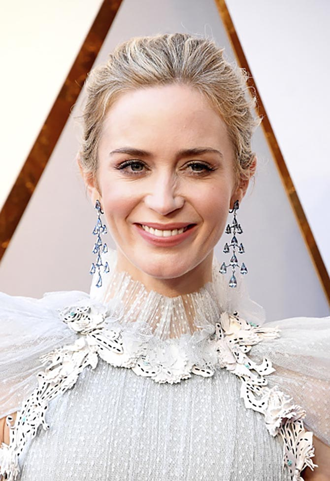 Emily Blunt in Chopard aquamarine chandelier earrings