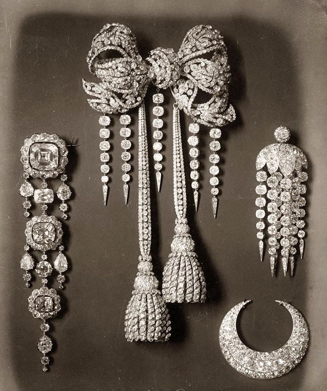 Page from the catalogue of the French Crown Jewels