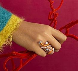 The AdventurinePostsThe Coolest Flower Jewelry Now