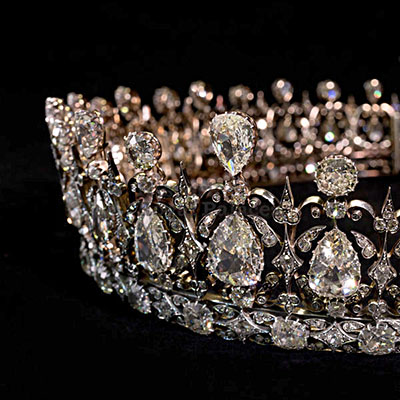 The Adventurine Posts Why Meghan Markle Will Wear A Diamond Tiara