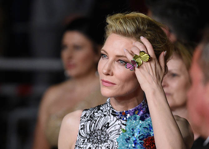 Zimna Wojna Premiere May 10, 2018 Cate Blanchett flew up the red carpet in a Mary Katrantzou gown and three precious butterfly rings set in colored titanium from the Chopard Haute Joaillerie Collection.