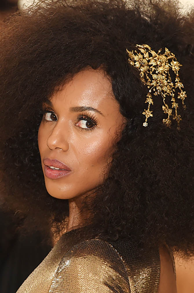 Kerry Washington matched her Ralph Lauren gown with a bronzed gold headpiece by Lorraine Schwartz.