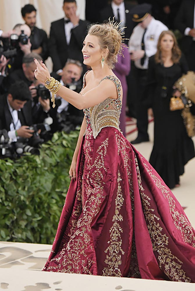 Blake Lively put on Lorraine Schwartz jewelry with her custom Versace dress.