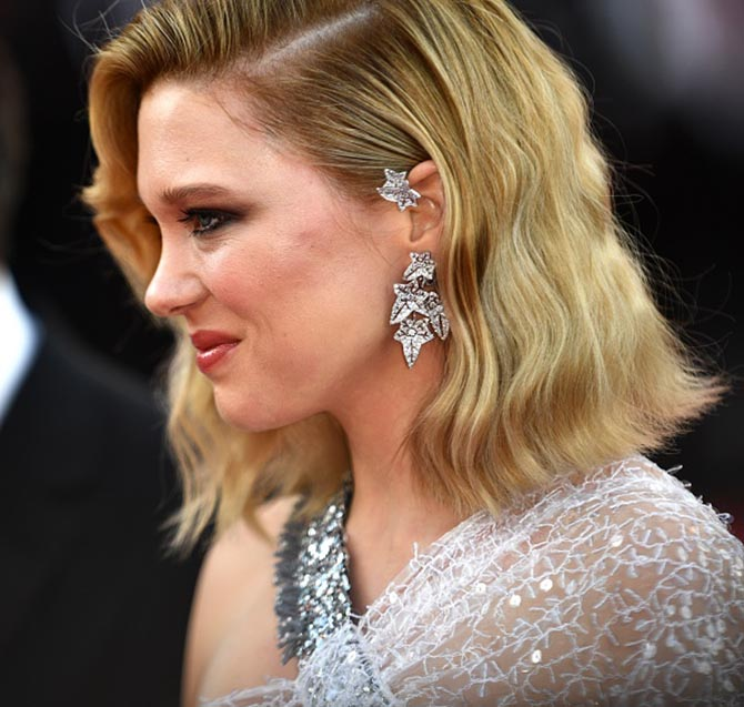 Léa Seydoux, who is a member of the jury, wore an ivy diamond ear cuff Boucheron's Lierre de Paris collection.
