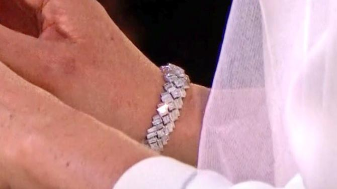 Detail of the Cartier bracelet Meghan Markle wore on her wedding day. Photo via @RealIsADiamond/Twitter