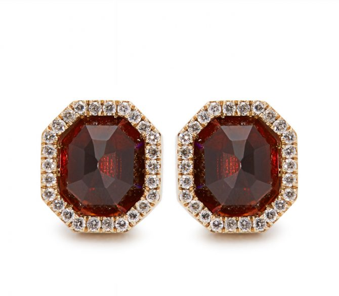Photo Monique Péan garnet, diamond and white gold earrings