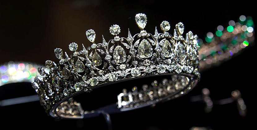 The AdventurinePostsWhy Meghan Markle Will Wear A Diamond Tiara