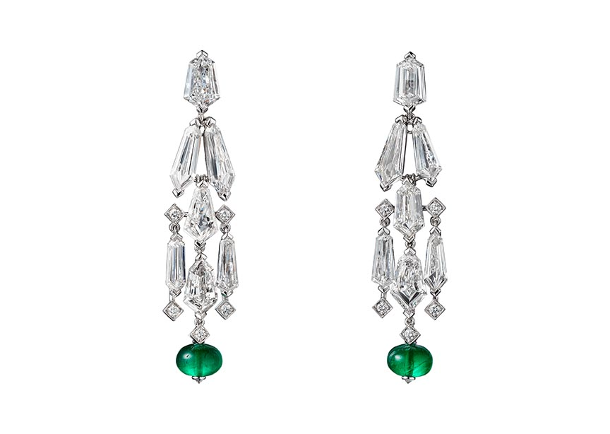 The diamond, emerald and platinum earrings Mindy Kaling wore came from Cartier's High Jewelry collection.