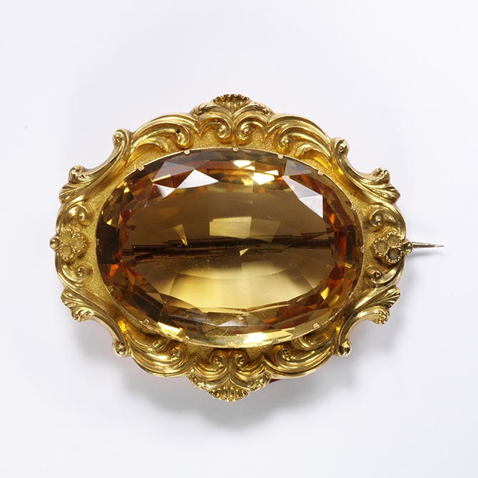 Citrine and gold brooch made in the mid-19th century. Photo © Victoria and Albert Museum, London