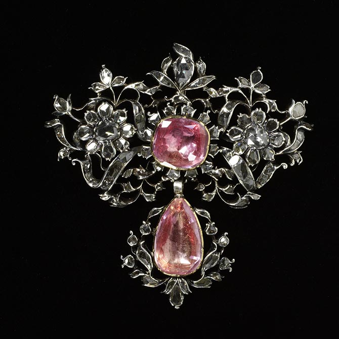 Pink Topaz, rose-cut diamond and silver pendant made in Portugal around 1750. Photo © Victoria and Albert Museum, London