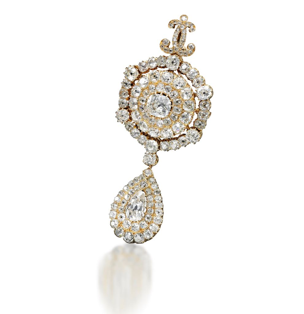 Diamond pendeloque brooch from Sotheby's sale Royal Jewels from the Bourbon Parma Family. Photo Sotheby's