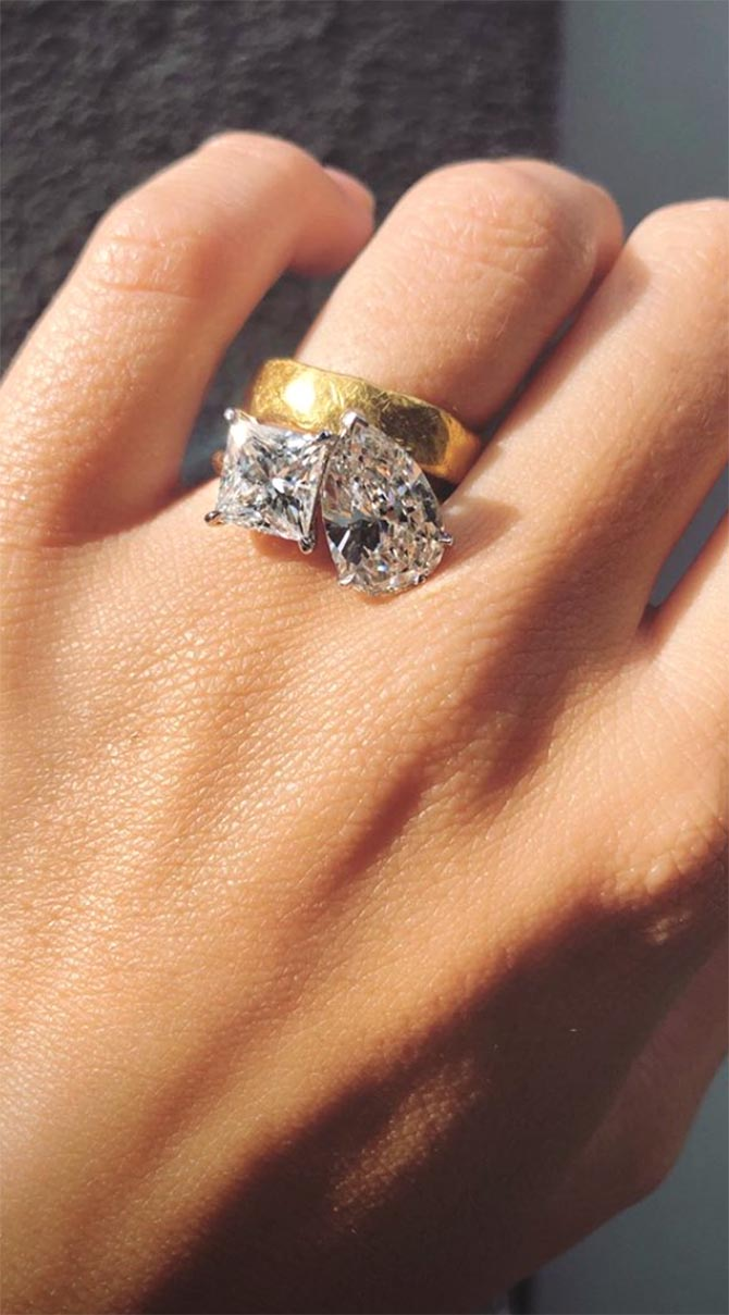 Emily Ratajkowski's Engagement Ring Photo via @emrata/Instagram Stories