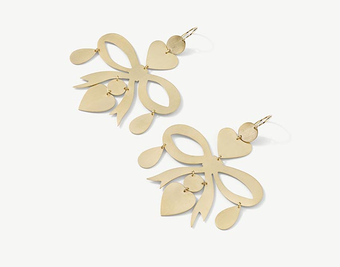 Irene Neuwirth 18K gold mixed shape flat gold earrings. Photo courtesy