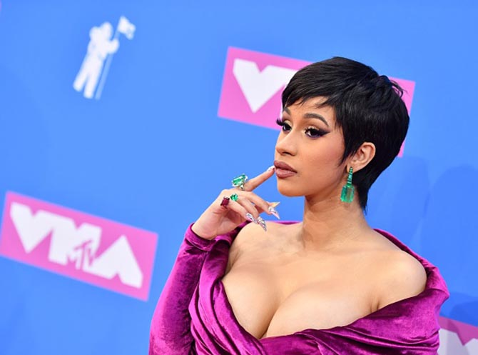 Cardi B wearing $4 million in Lorraine Schwartz and Ofira jewels at the MTV's 2018 VMAs.