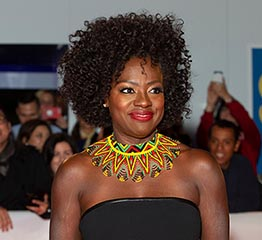 The Adventurine Posts Viola Davis's Necklace Has an Amazing Backstory