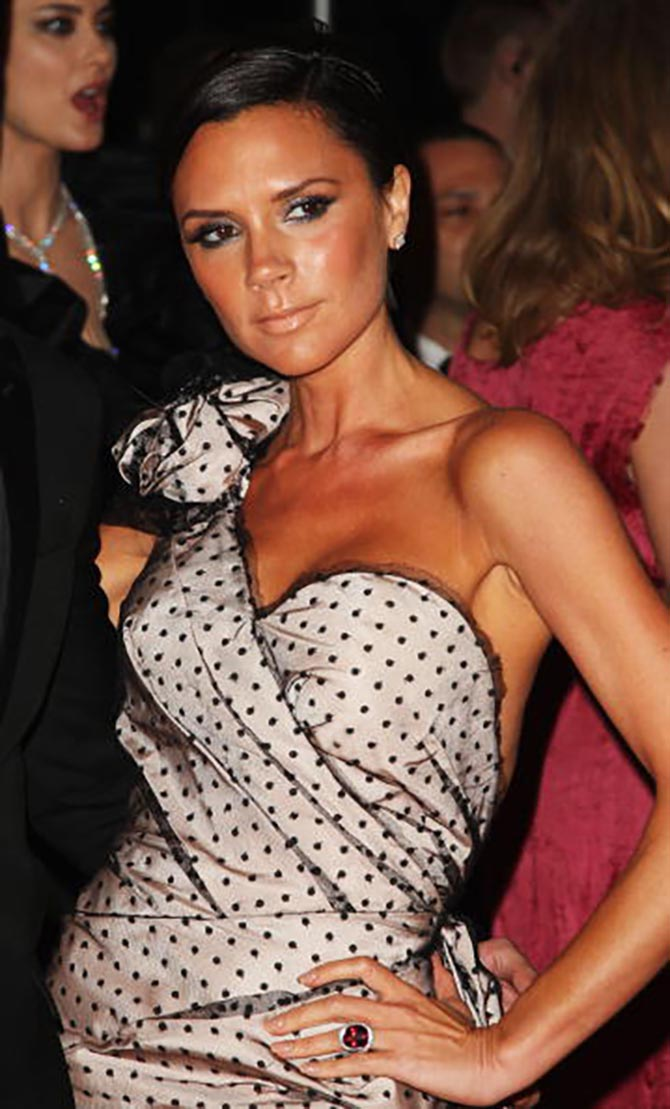 Victoria Beckham wearing her ruby engagement ring at the Costume Institute Gala in 2009. Photo Getty