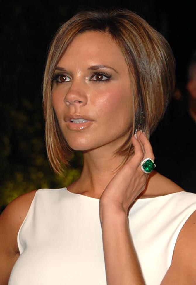 Victoria Beckham wearing her emerald engagement ring in 2007. Photo Getty
