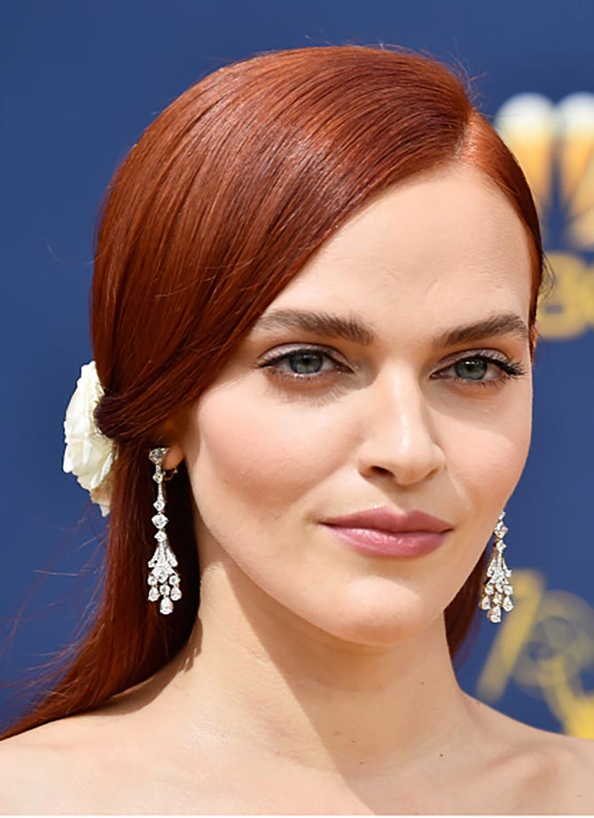 Madeline Brewer in Bvlgari diamond earrings.