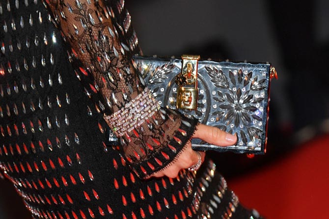 Detail of the DeBeers bracelet Naomi Watts paired with her Dolce & Gabbana gown and clutch.
