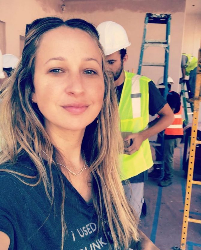 Jennifer Meyer on-site during the construction of her first boutique. Photo via @JenMeyerJewelry/Instagram