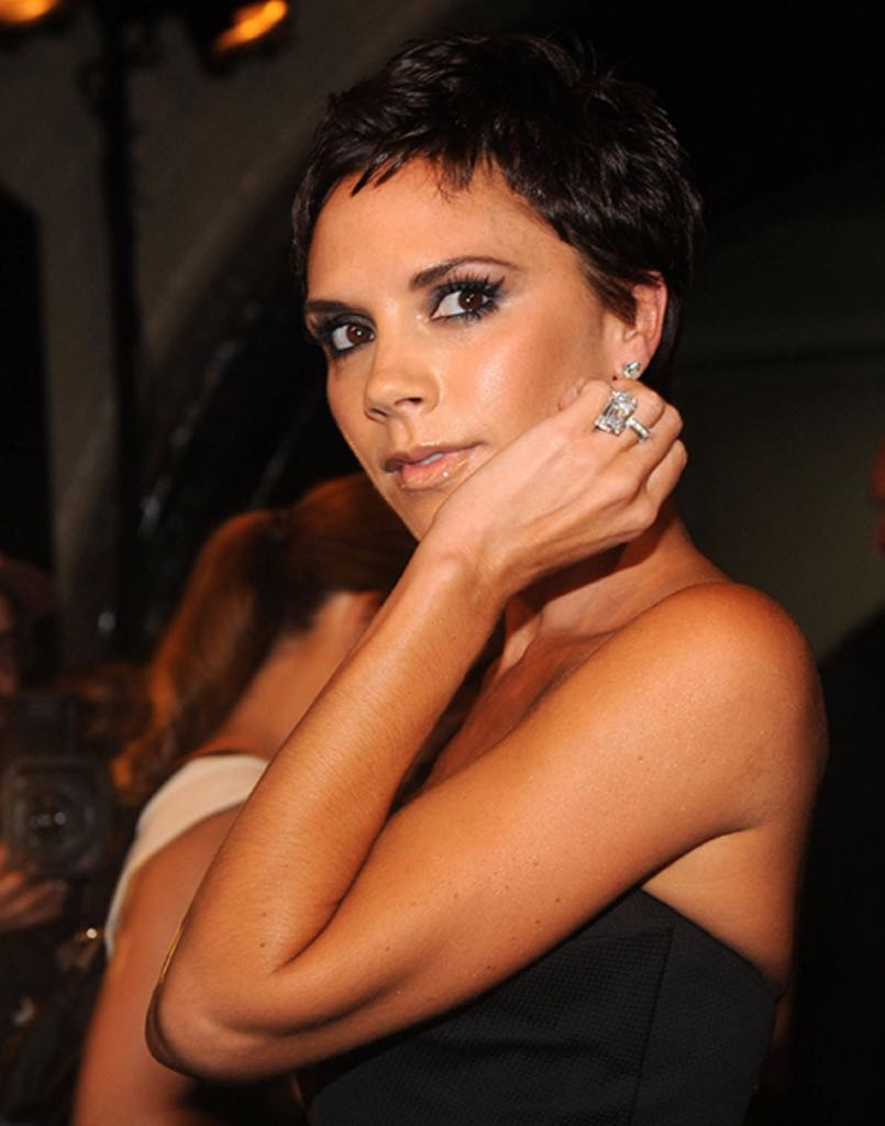 Victoria Beckham wearing her emerald-cut diamond ring by Chopard in 2008. Photo Getty
