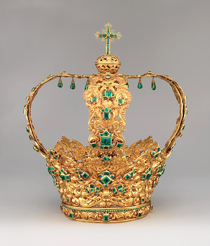 Gold and emerald Crown of the Andes made in Colombia. The diadem was created around 1660 and the arches were added about 100 years later.