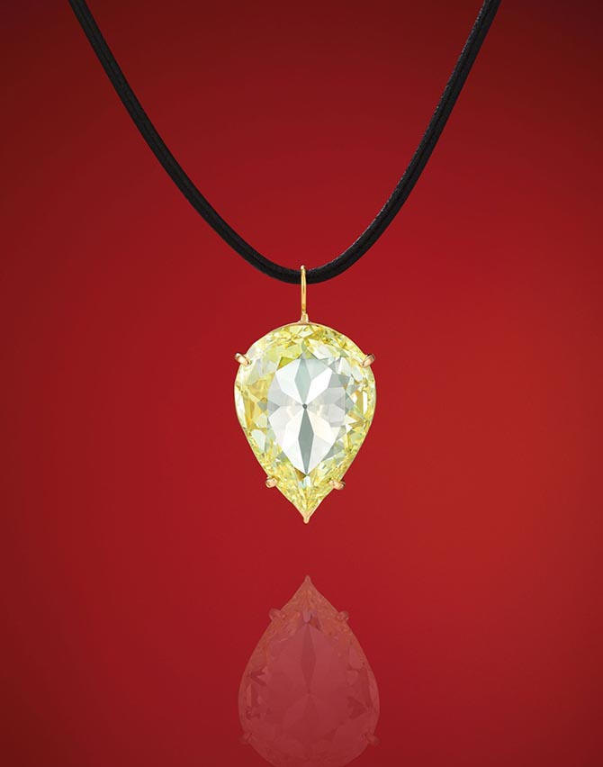 The Moon of Baroda diamond worn by Marilyn Monroe in a publicity image for her 1953 film 'Gentlemen Prefer Blondes' Photo Christie's