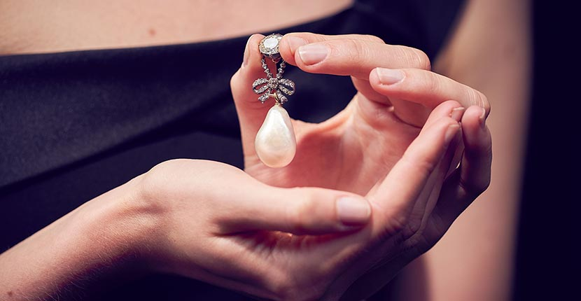 The Adventurine Posts Marie Antoinette Pearl Sets World Record Price