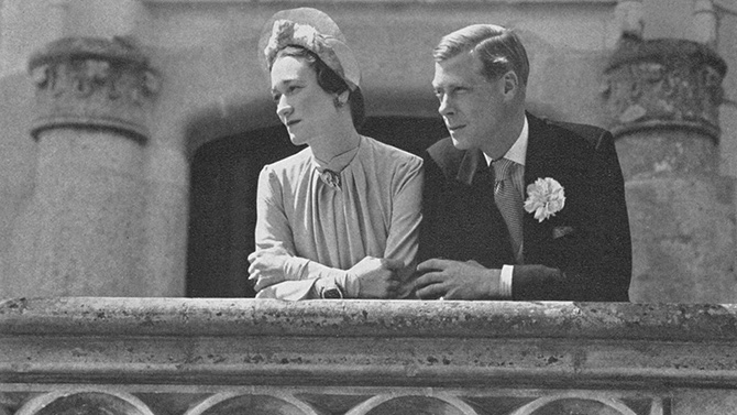 The Duke and Duchess of Windsor posed for Cecil Beaton on their wedding day. The Duchess is wearing several sapphire and diamond jewels by Van Cleef & Arpels. Photo via