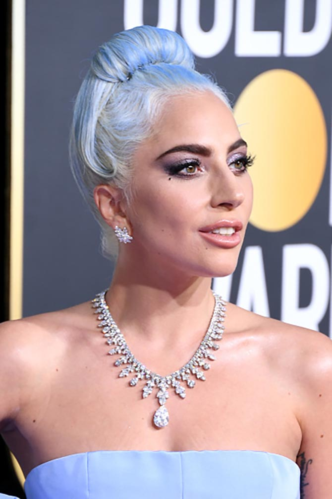 Lady Gaga debuted the exquisite Tiffany Aurora Necklace on the red carpet at this year's Golden Globe Awards.