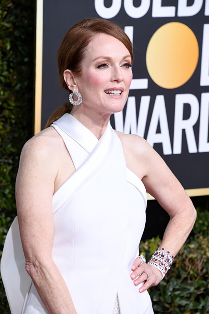 Julianne Moore wore diamond and ruby jewels by Chopard.