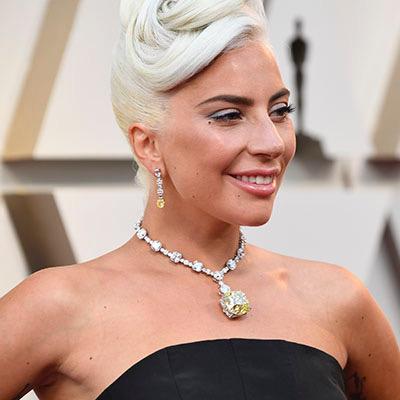 The AdventurinePostsLady Gaga Wears the 128-Carat Tiffany Diamond