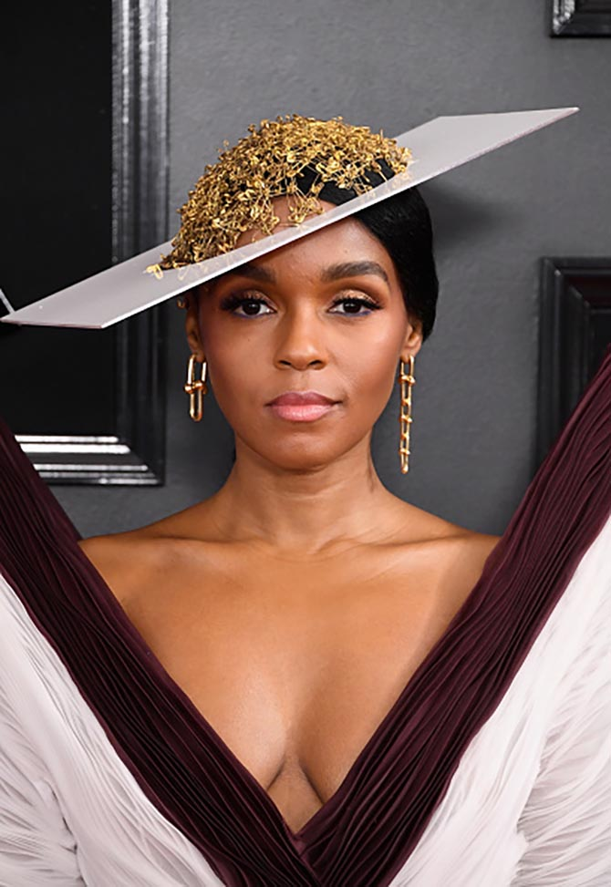 Janelle Monáe wore gold earrings from Tiffany's HardWear collection at the Grammys.