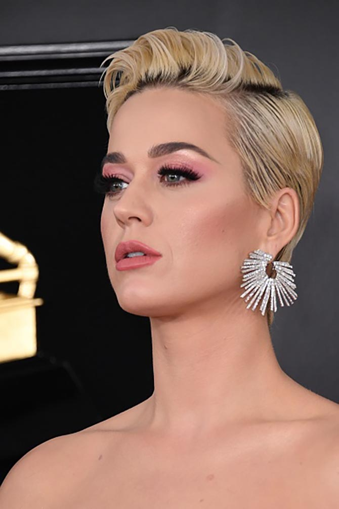 Katy Perry in an earring by the Parisian label Djula.