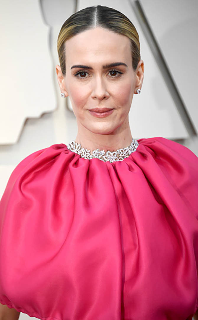 Sarah Paulson wore a Harry Winston necklace