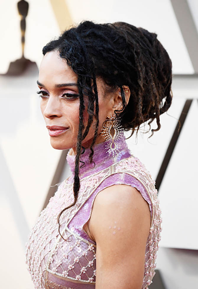 Lisa Bonet wore earrings by Fernando Jorge