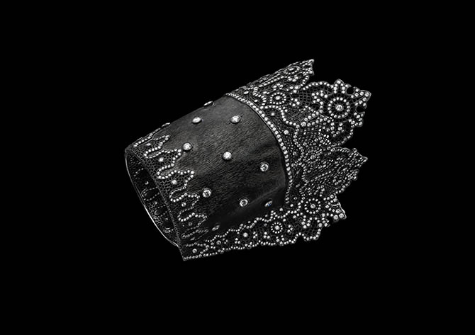 Carnet by Michelle Ong diamond, platinum and silver Cuff made in 2000 and inspired by 17th century lace. Photo from 'Carnet by Michelle Ong'