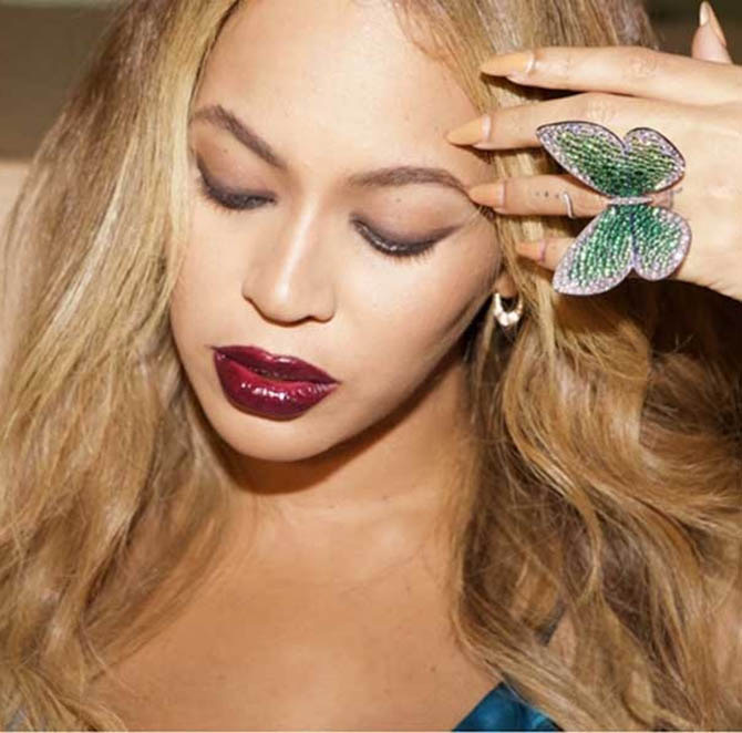 Beyoncé Knowles-Carter wearing the 'Papillon' ring, designed by G the label of Glenn Spiro. Photo by Jay Z