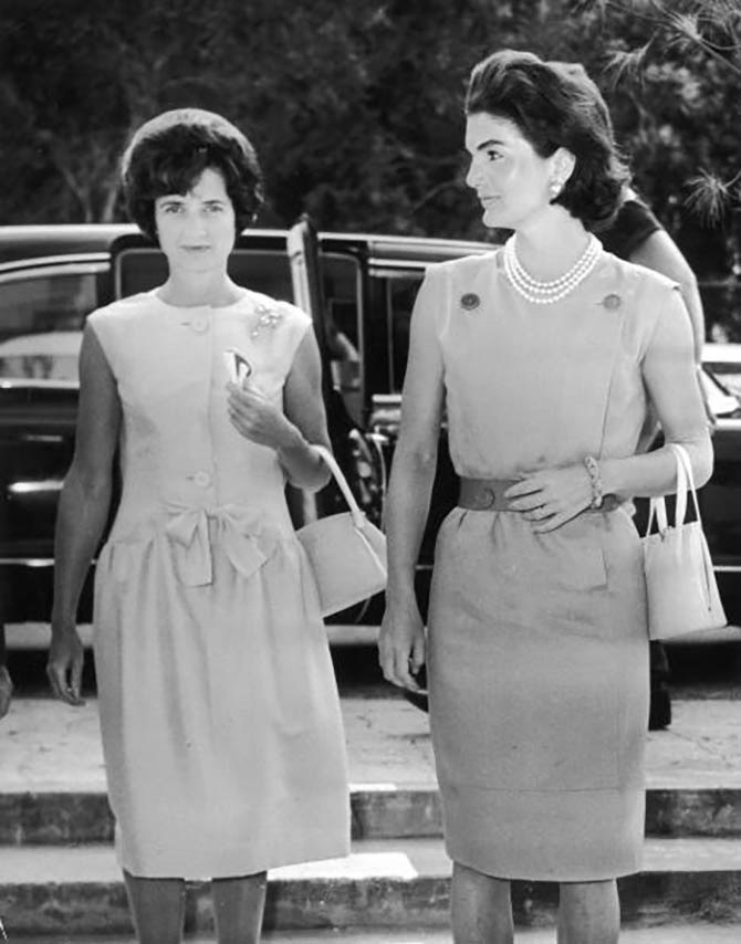 First Lady Jacqueline Kennedy and Jayne Wrightsman enter the Biltmore Hotel, Palm Beach, Florida, March 1961. Photo Getty Images