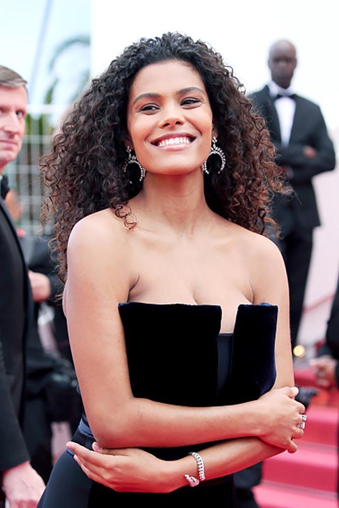 Tina Kunakey di Vita wore diamond jewelry by Messika.