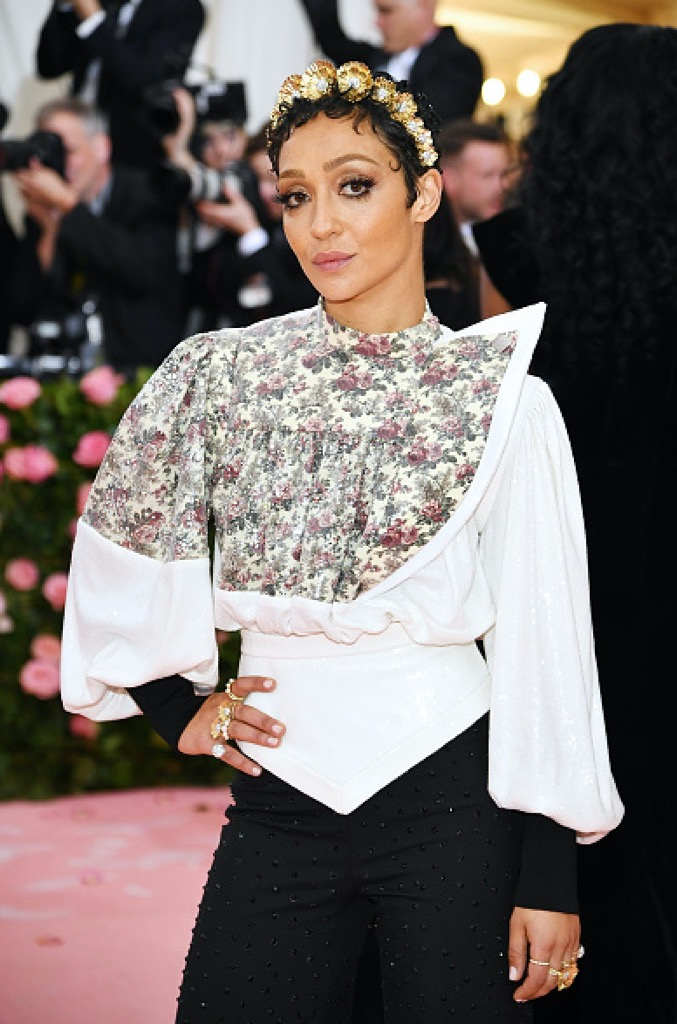 Ruth Negga wore a gold Bloom tiara by Irene Neuwirth among other jewels.