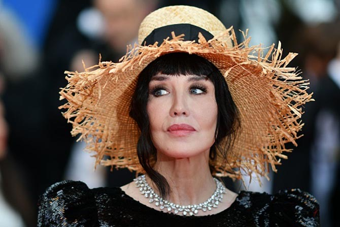 Isabelle Adjani wore a diamond necklace by Chopard