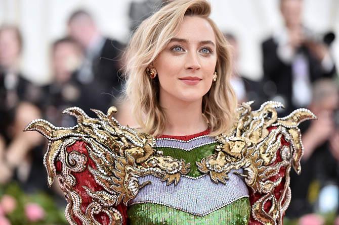 Saoirse Ronan wore cluster earrings at The 2019 Met Gala.