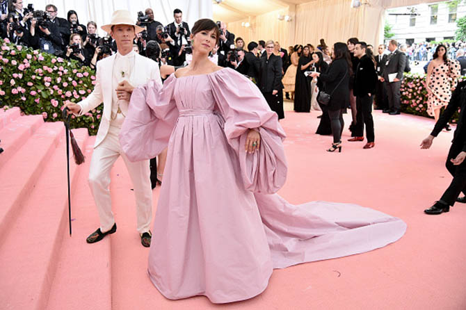 Benedict Cumberbatch and Sophie Hunter in Verdura jewels at The 2019 Met Gala
