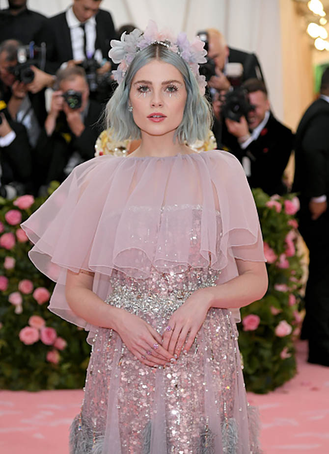 Lucy Boynton in rings from Harry Winston at The 2019 Met Gala.