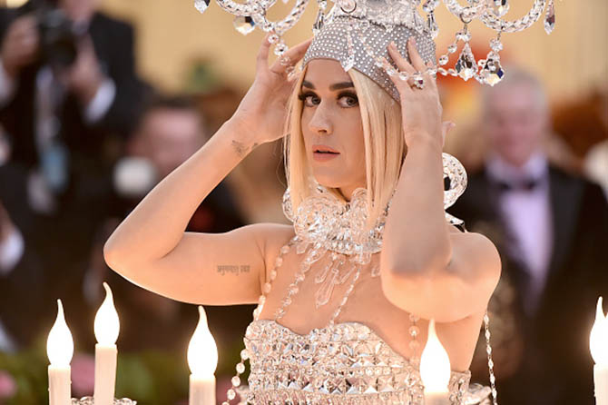 Katy Perry wearing her engagement ring at The 2019 Met Gala