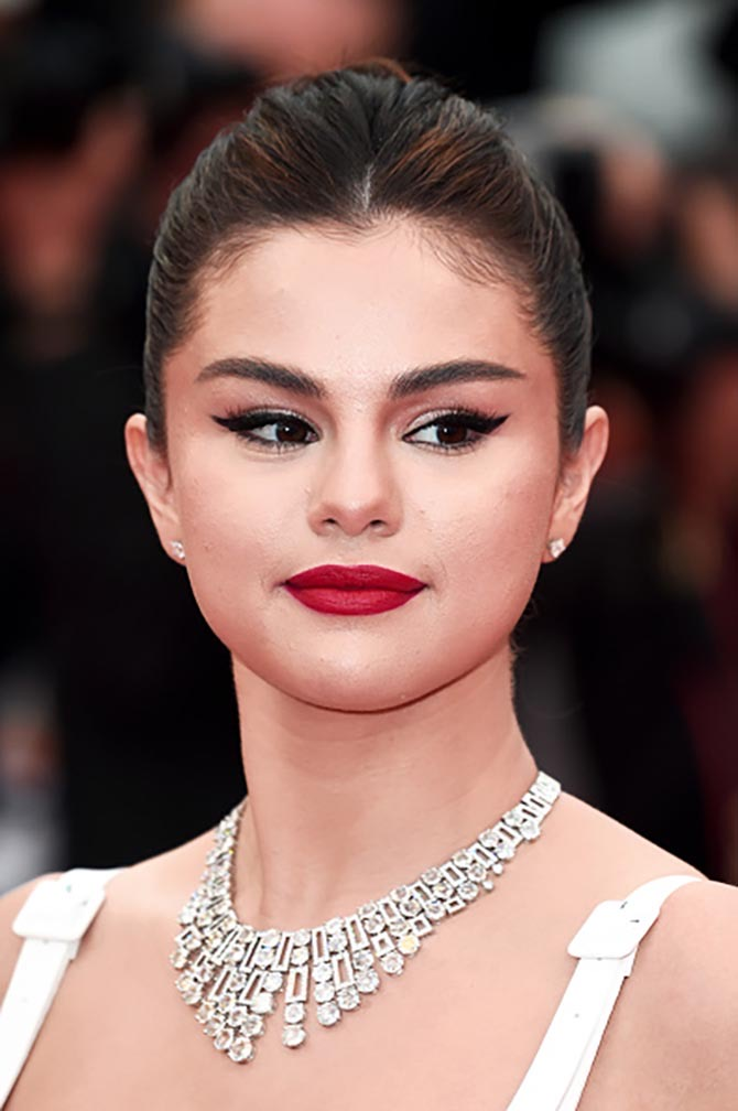 Selena Gomez wore a necklace set with almost 100-carats of diamonds from Bulgari's new High Jewelry Cinemagia collection.