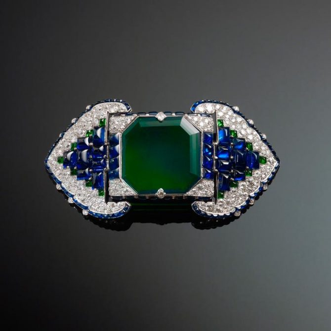 Cartier emerald diamond and sapphire Art Deco brooch shown at the 1925 Paris Exposition. Photo Christie's